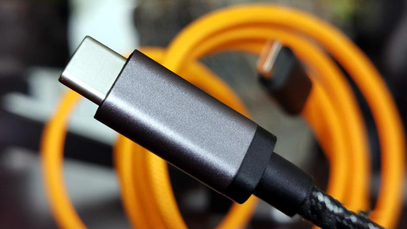 10 دلیل برای پایین بودن سرعت شارژ گوشی